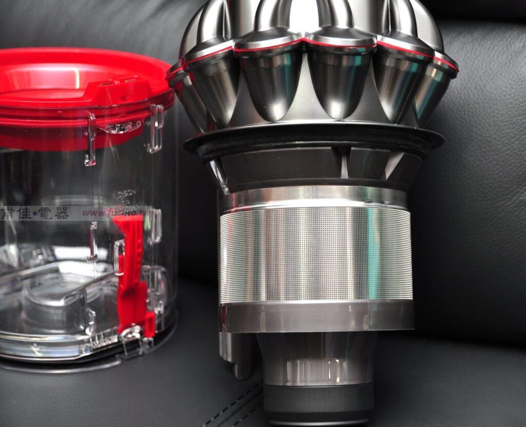 Dyson V8 吸塵器